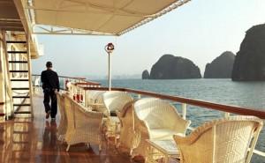 Seaplane & Emeraude Cruise: 380 USD/ pax