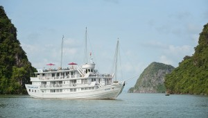 Paradise Luxury Cruise: From 405 USD/person
