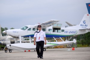 Seaplane to Halong Bay with One-day L'Azalee Cruise: 600 USD/ pax